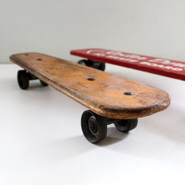 初期のスケートボード